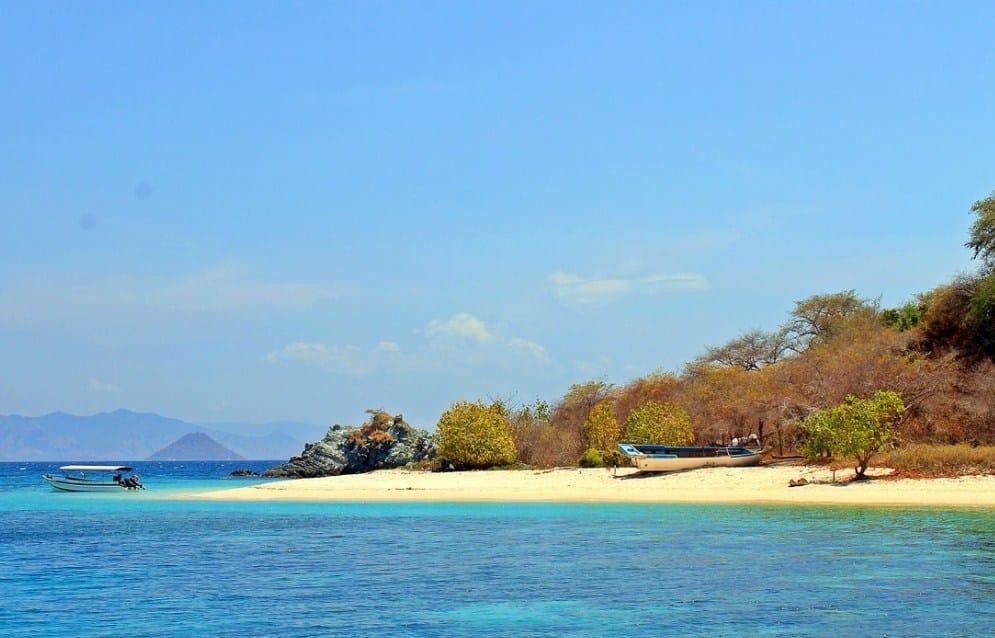 Keindahan Pulau Bidadari di Labuan Bajo
