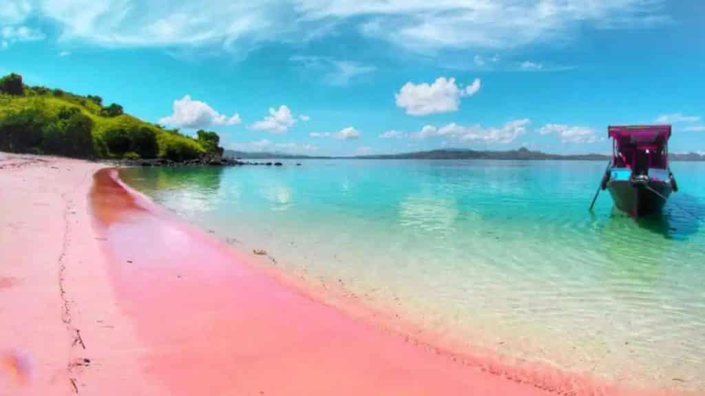 Lokasi-Pantai-Pink-Labuan-Bajo