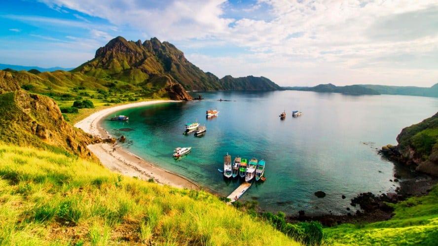 Paket Wisata Tour Labuan Bajo 2 Hari 1 Malam Juni