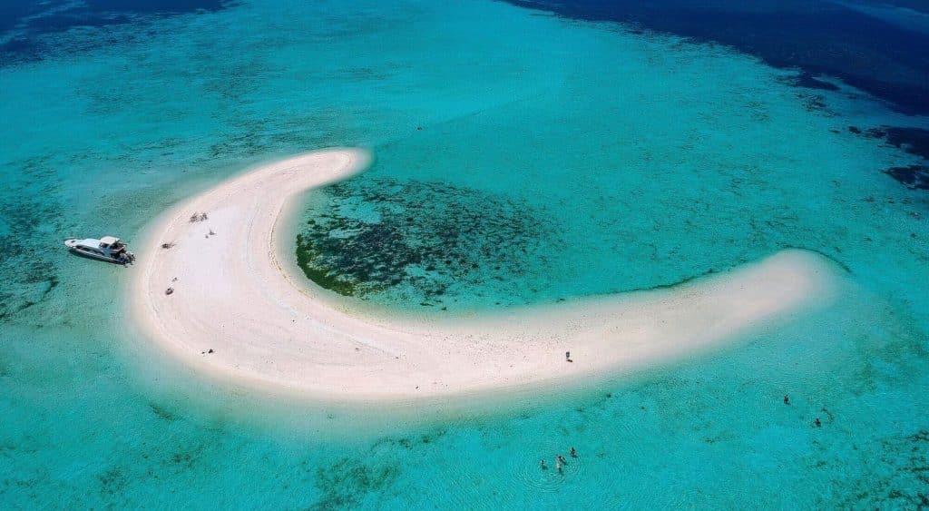 Pulau-Pasir-Taka-Makassar-Yang-Istimewa