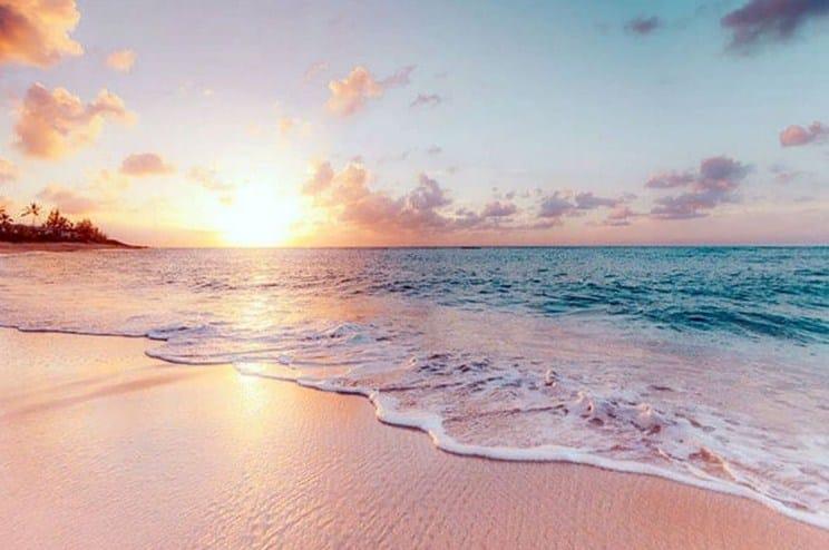 Tips Cantik Wisata ke Pantai Pink Flores NTT