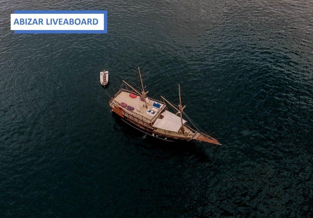 Charter Kapal Labuan Bajo Abizar Liveaboard