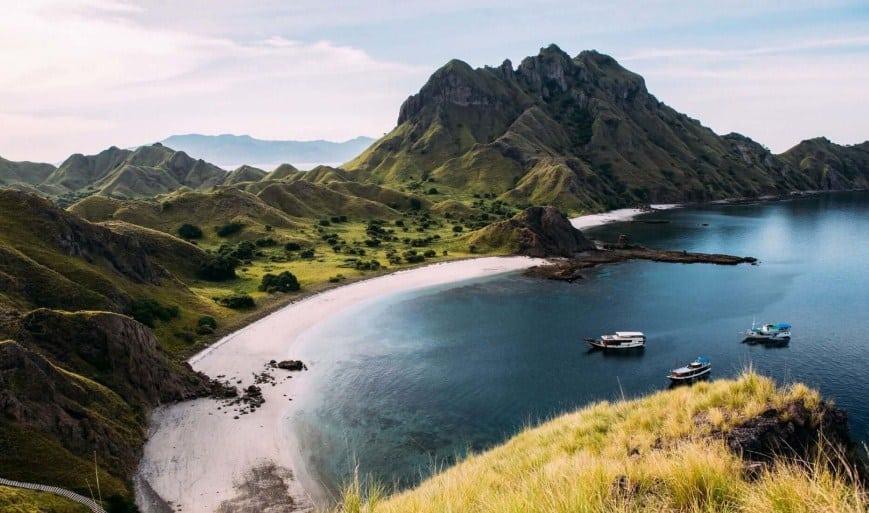 Paket Wisata Tour Labuan Bajo 2 Hari 1 Malam November