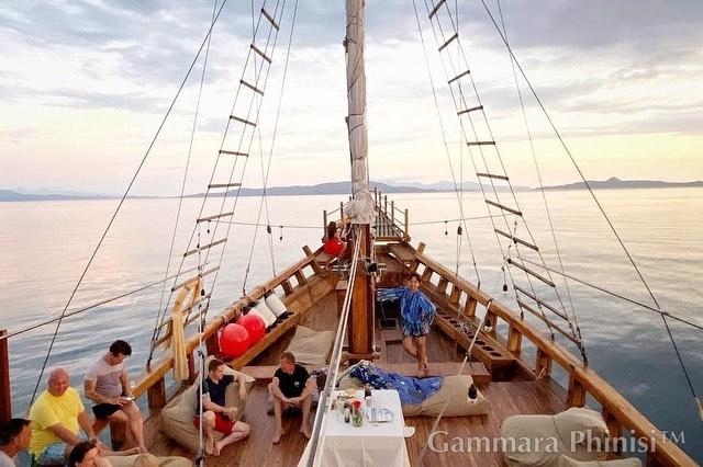 Sewa Kapal Phinisi Labuan Bajo Terbaik