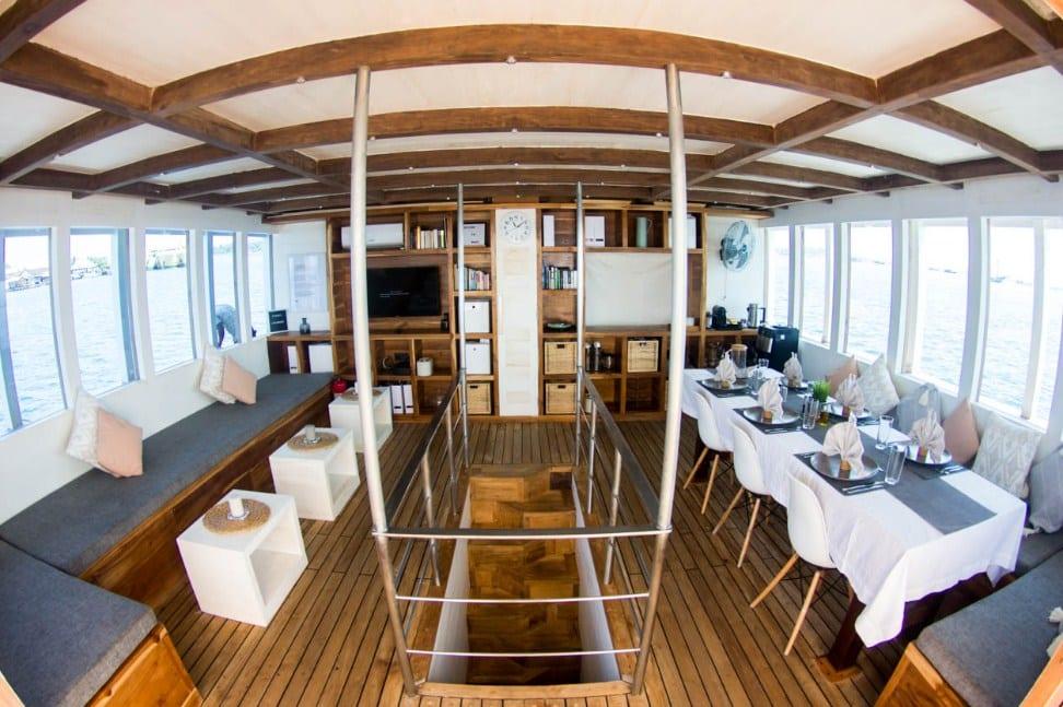 Interior Kapal Fenides Liveaboard