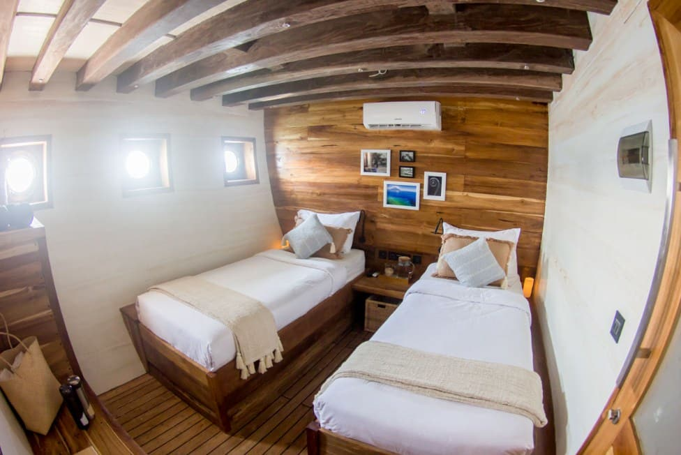 Kabin Kapal Fenides Liveaboard Labuan Bajo