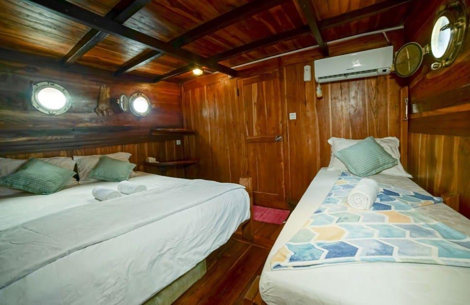 Lower Deck Cabin Kapal Cajoma III Phinisi Labuan Bajo