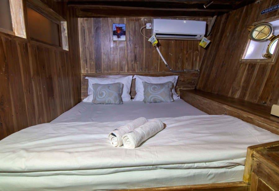 Lower Deck Cabin Kapal Cajoma IV Phinisi Labuan Bajo