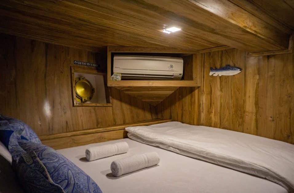 Lower Deck Cabin Kapal Cajoma V Phinisi Labuan Bajo