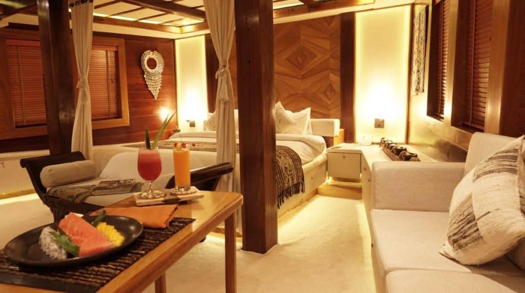 Master Cabin Lamima Yacht, Cabin Cozy ala Hotel Bintang 5