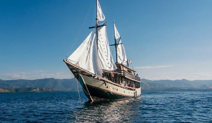 Sewa Kapal Samara Labuan Bajo