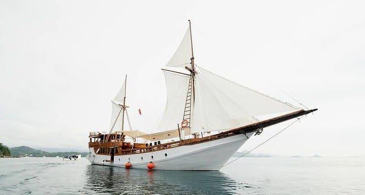 Tentang Kapal Alfathran Phinisi Labuan Bajo